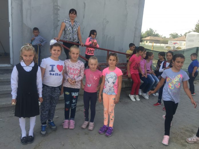Romanian children living in Romania get £1 million yearly child benefits from the UK