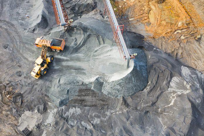 coal mine/mina de carbune