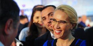 """Candidata lui Voiculescu îl acuză pe """"varan"""" de șantaj și furt de bani de campanie"""