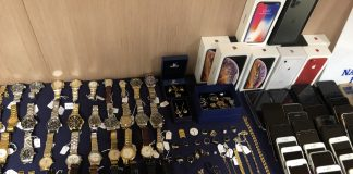 Jewlery, watches, phones stolen by pickpocketing ring. Credit: Policia Nacional