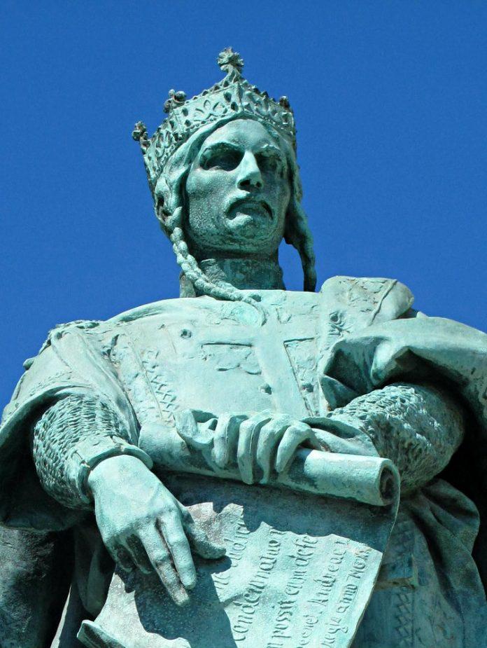Hungarian king Andrew II, Millenium monument, Buadpest. Wikipedia