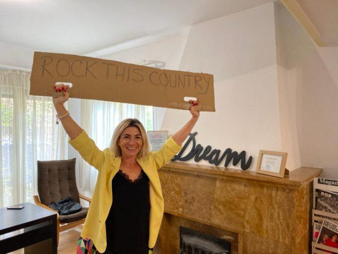 Oana Bizgan, independent lawmaker Romanian Parliament/deputat independent